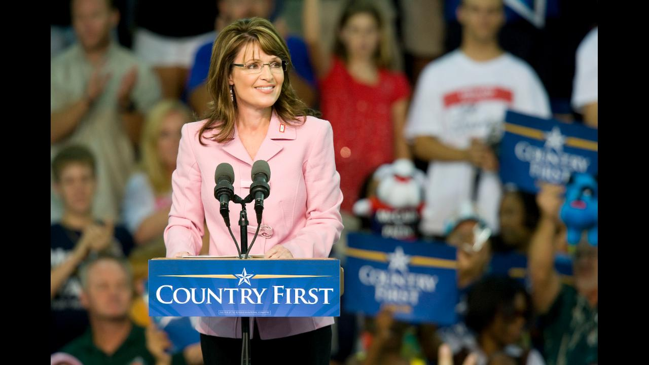 Sarah Palin Blasts President Obama Over Gun Control Efforts