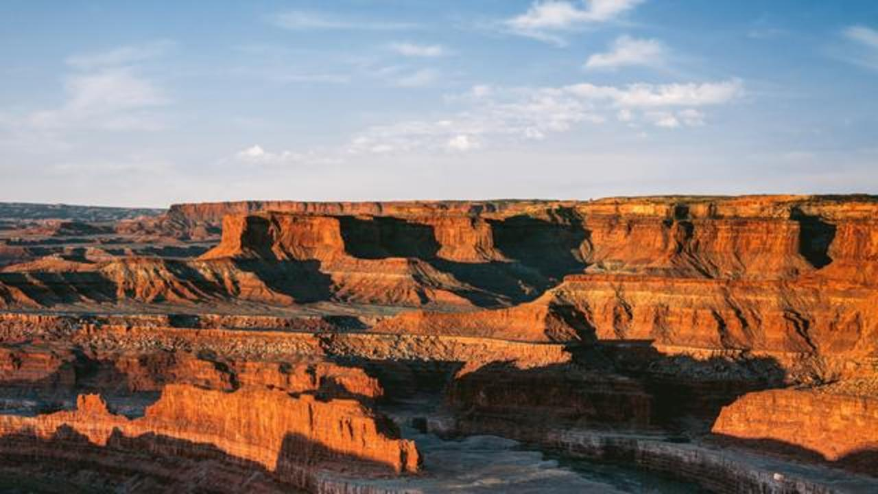 Woman Suffers Fatal 400 Foot Grand Canyon Fall