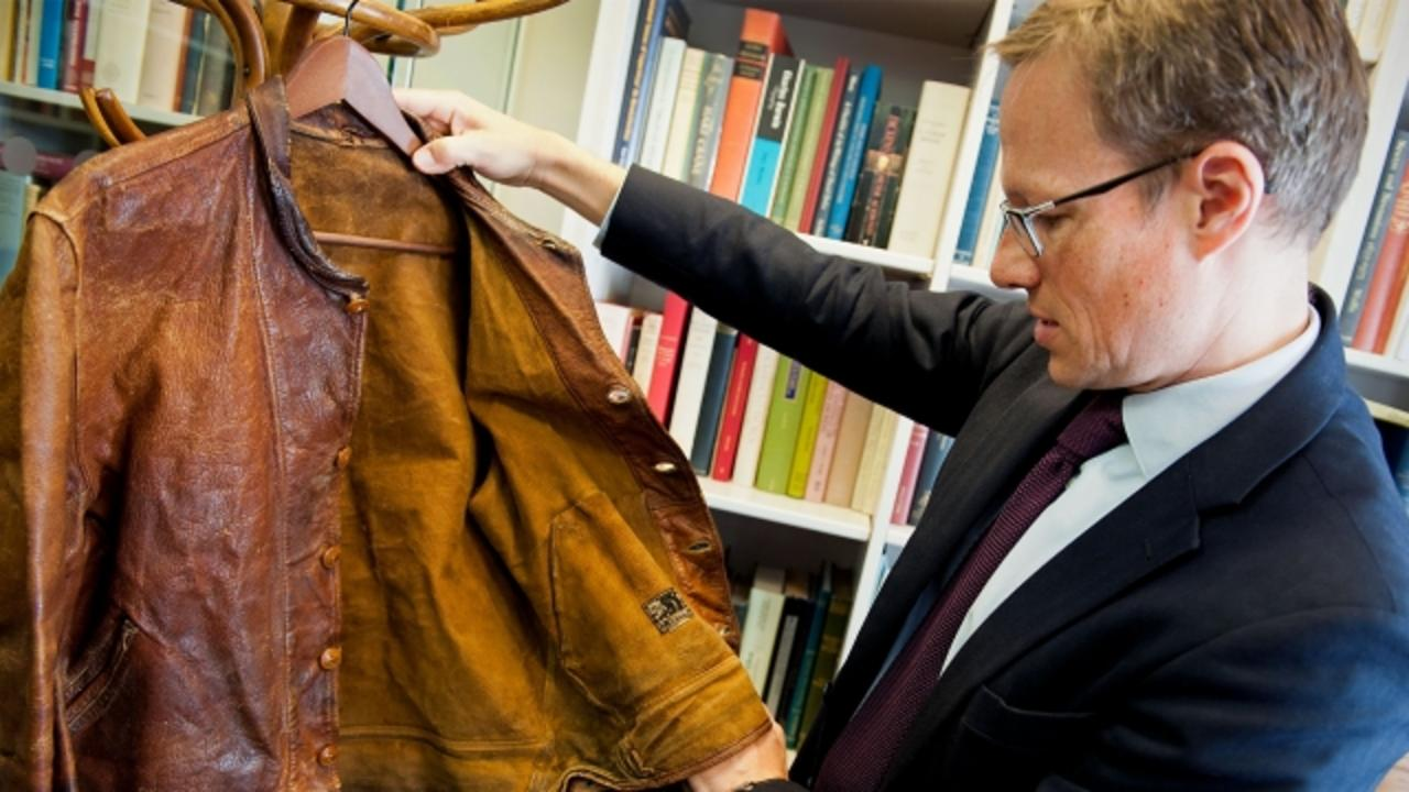 Albert Einstein's Vintage (Smelly) Jacket Is Worth Over $145,000