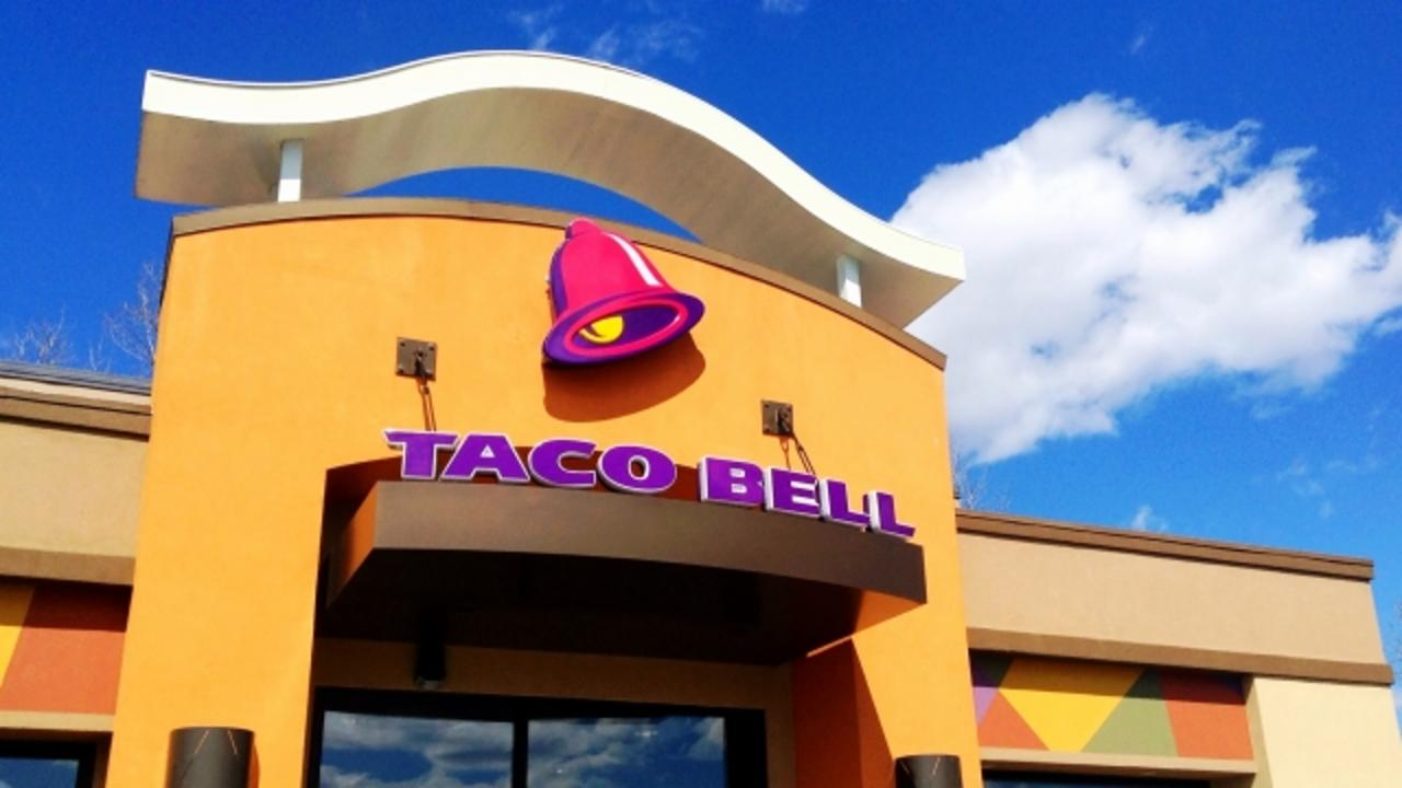 A Deaf Woman Is Suing Taco Bell for Discrimination
