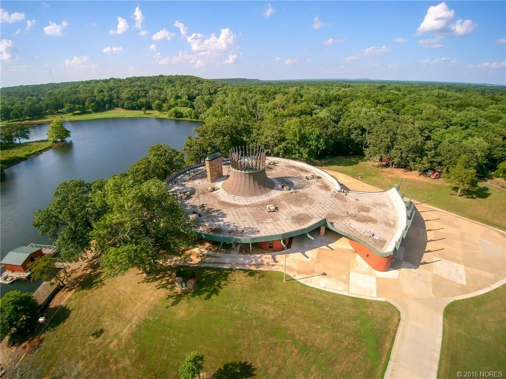Oklahoma home built in the shape of a fishing reel