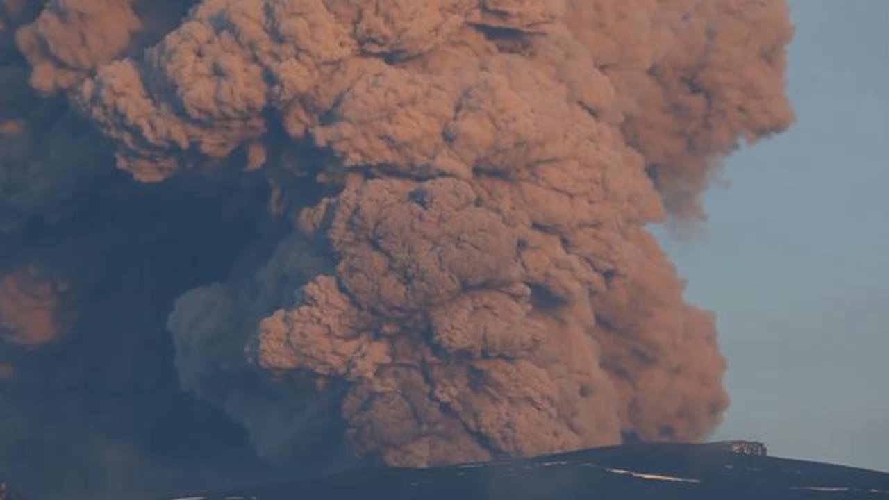 Study: Cataclysmic Super-eruptions Give Only A Year's Warning Before They Blow