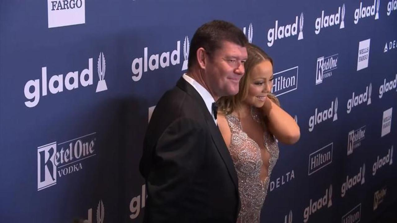 Mariah Carey and Fiance James Packer Get Touchy Feely