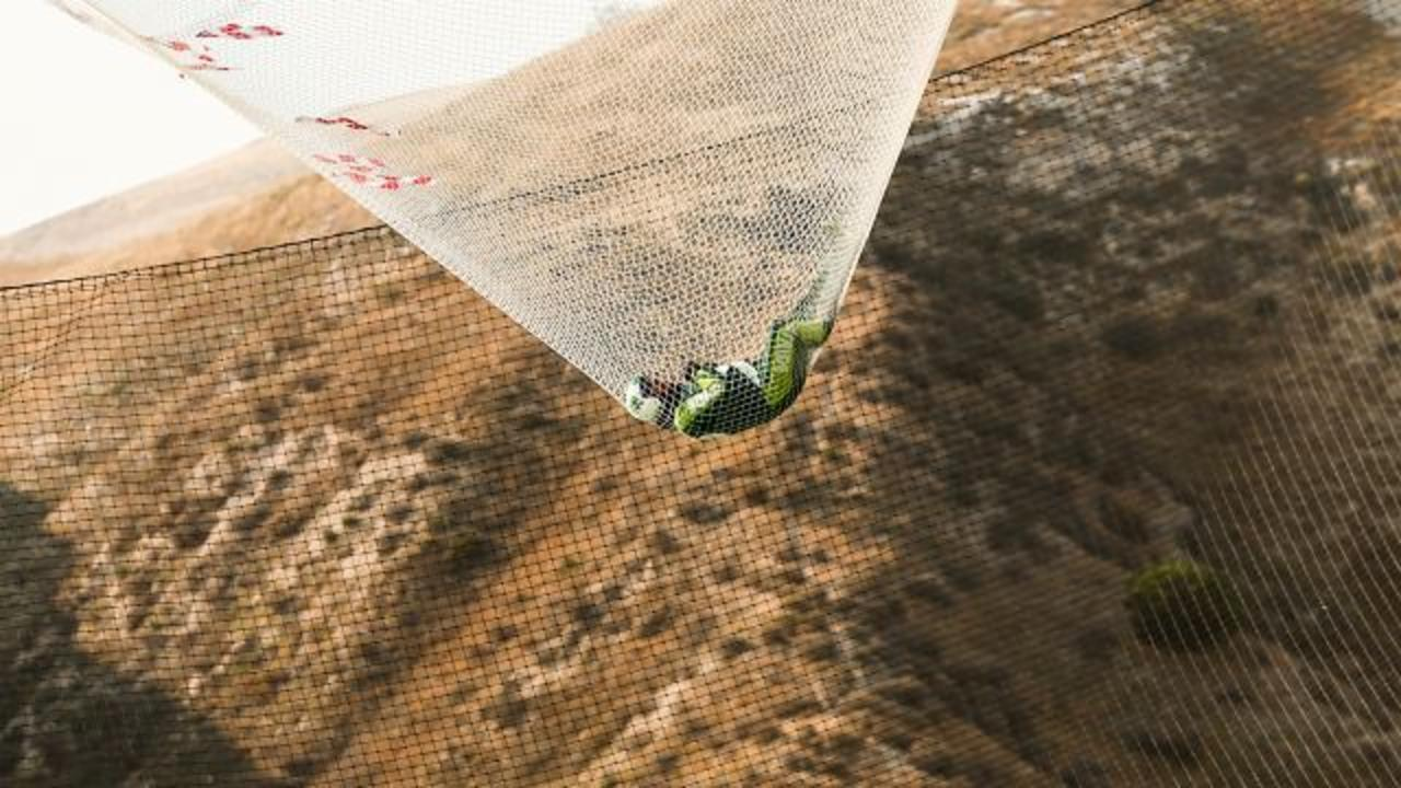 Skydiver Successfully Jumps From 25,000 Feet