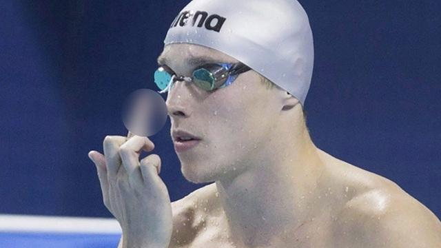 Canadian Swimmer Flips Off Dad Before Every Race