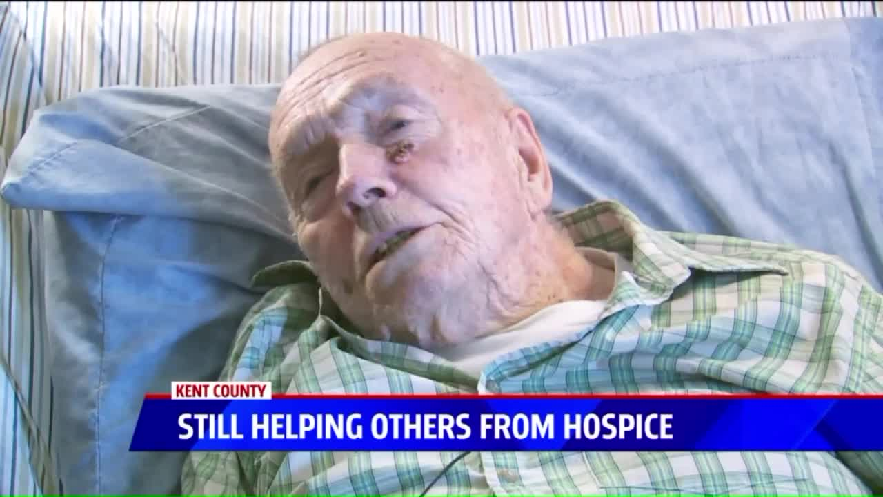 91-Year-Old Hospice Patient Knits Hats for the Homeless