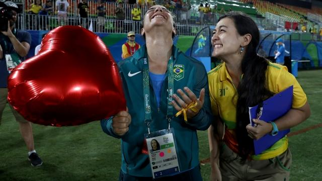 Rugby Player Says Yes to Sweet Proposal During Rio Olympics