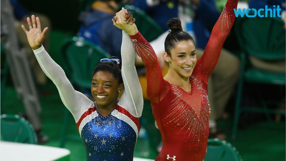 Simone Biles, Aly Raisman & Madison Kocian Hit The Beach