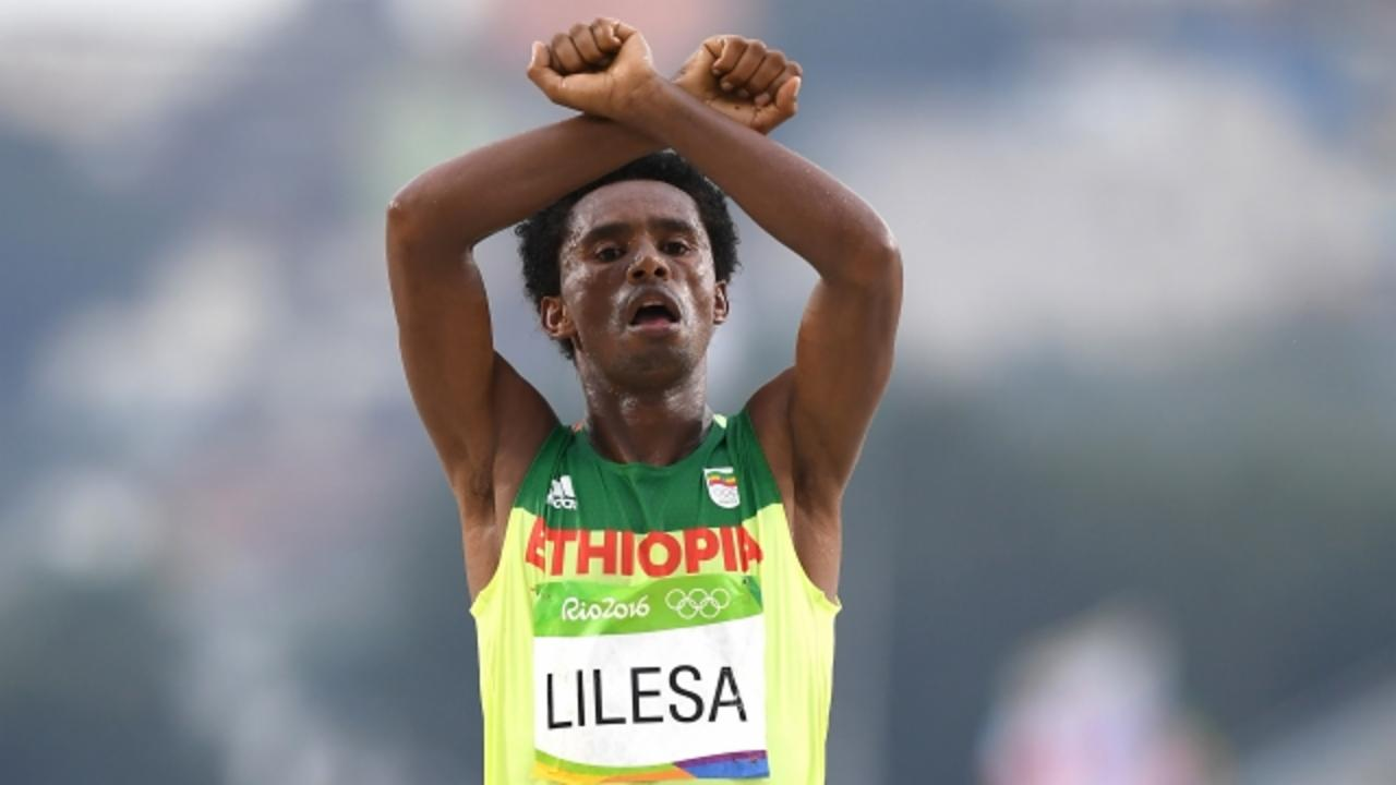 Ethiopian Marathoner Put His Life in Danger With One Gesture
