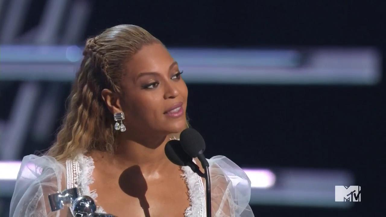 "VMAs 2016: Watch Beyonce Accept VMA for Video of the Year for ""Formation"""