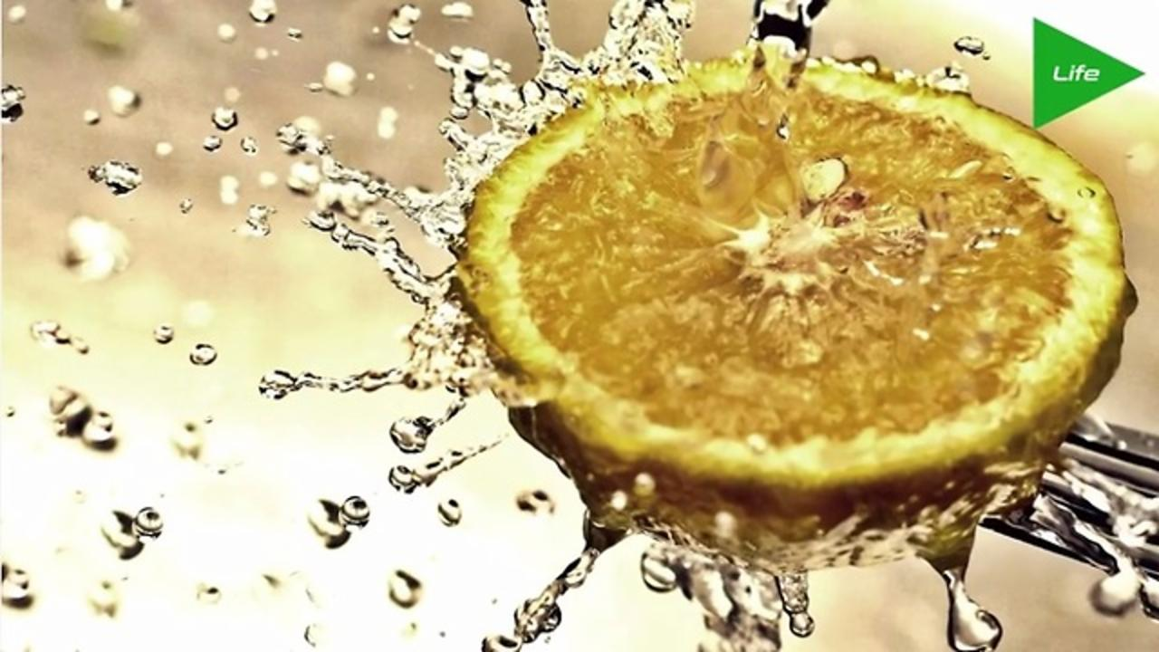 Lemon Water Can Really Improve Your Morning (And Day)