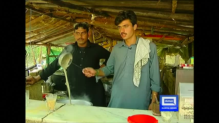 Pakistan's hot new celebrity, a handsome tea vendor, rejects film talk