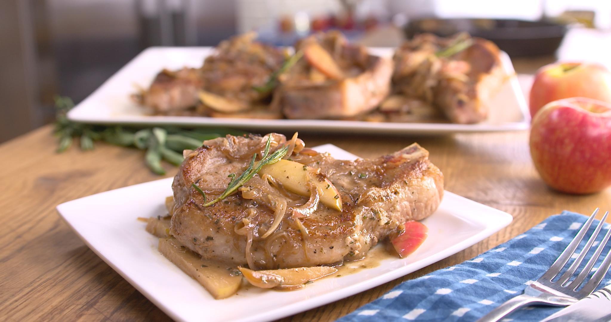 Best Bites: Skillet apple pork chops