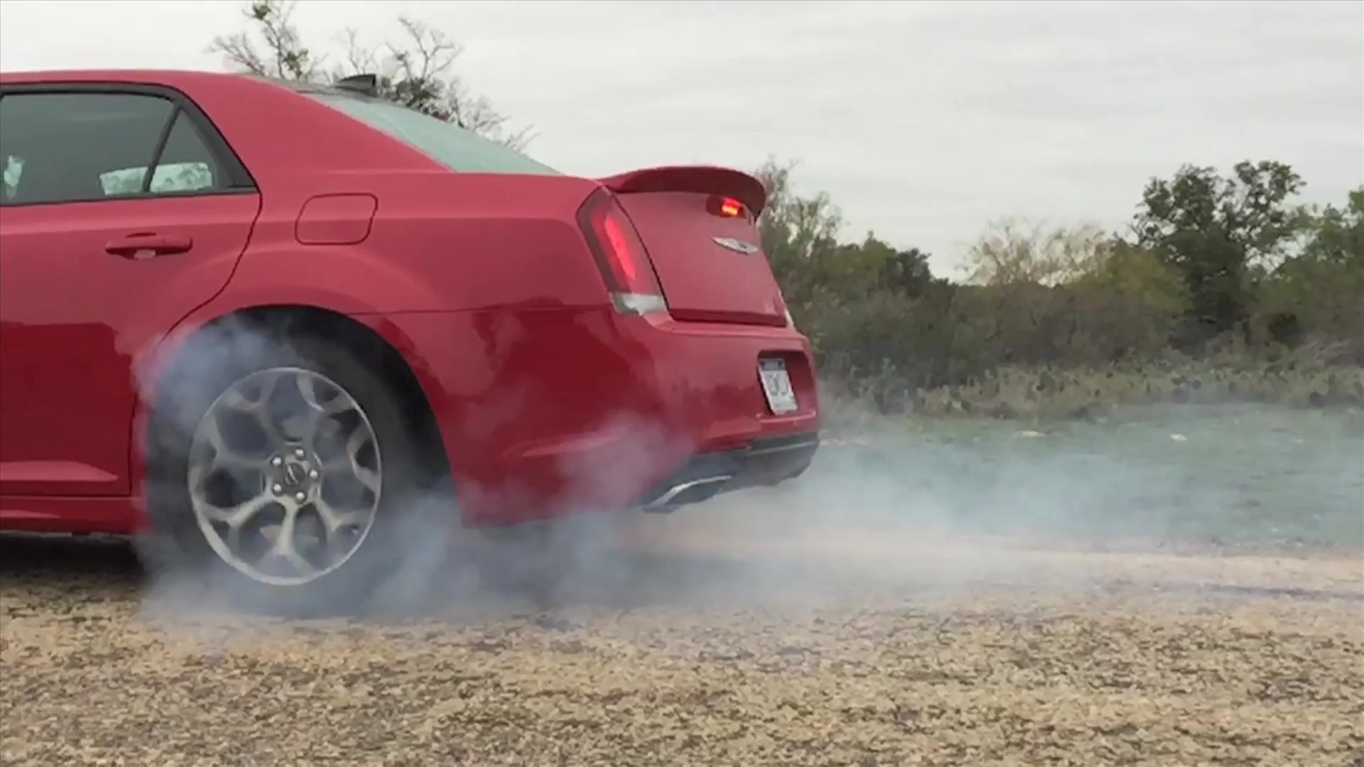 2015 Chrysler 300 S Slow Motion Burnout | Autoblog Short Cut