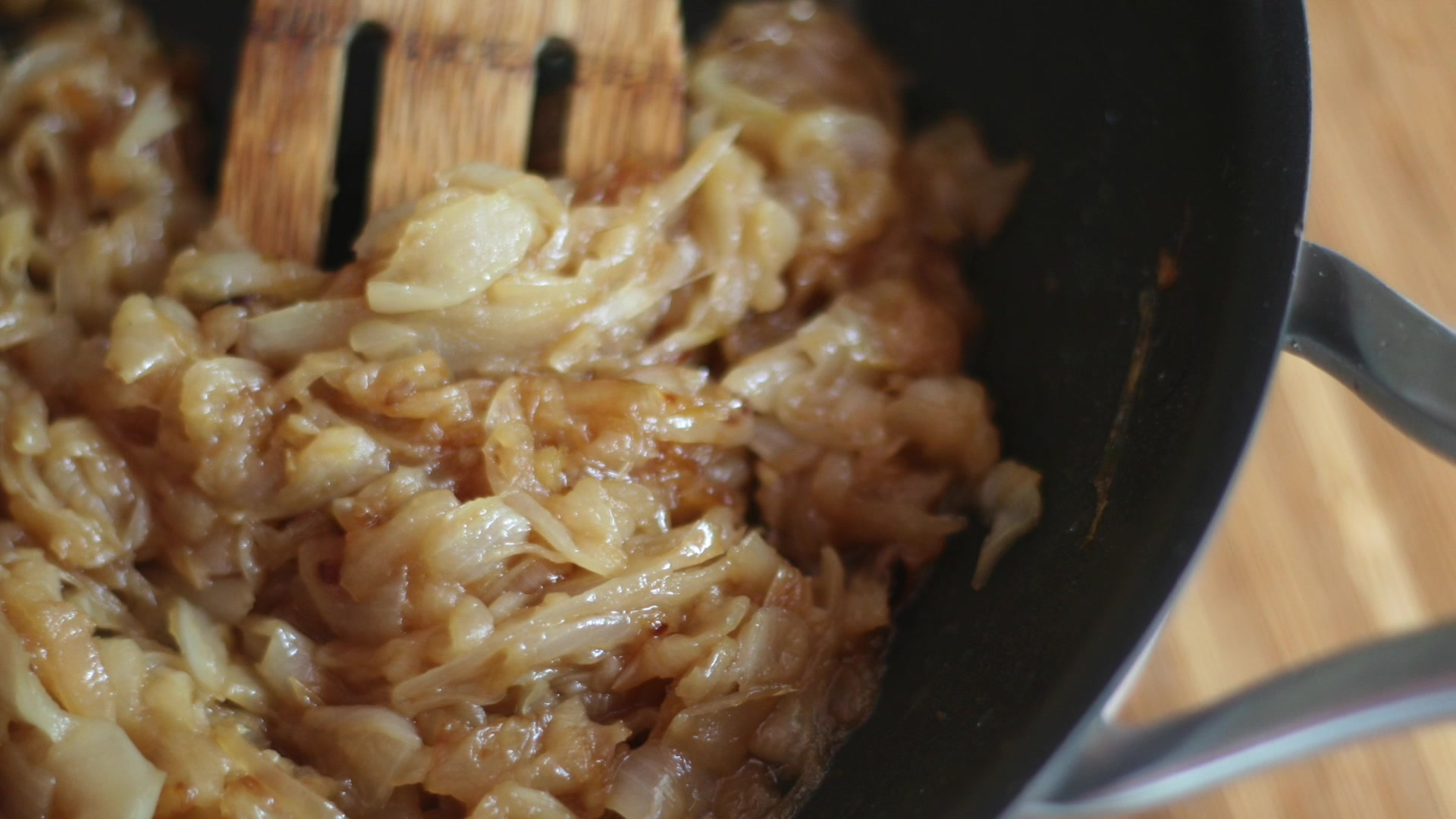 How to make perfectly caramelized onions - AOL Food