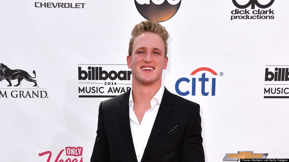 Vine Star Logan Paul LIVE