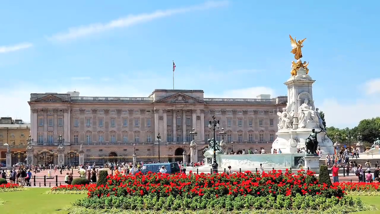 Visit the Buckingham Palace in London, UK