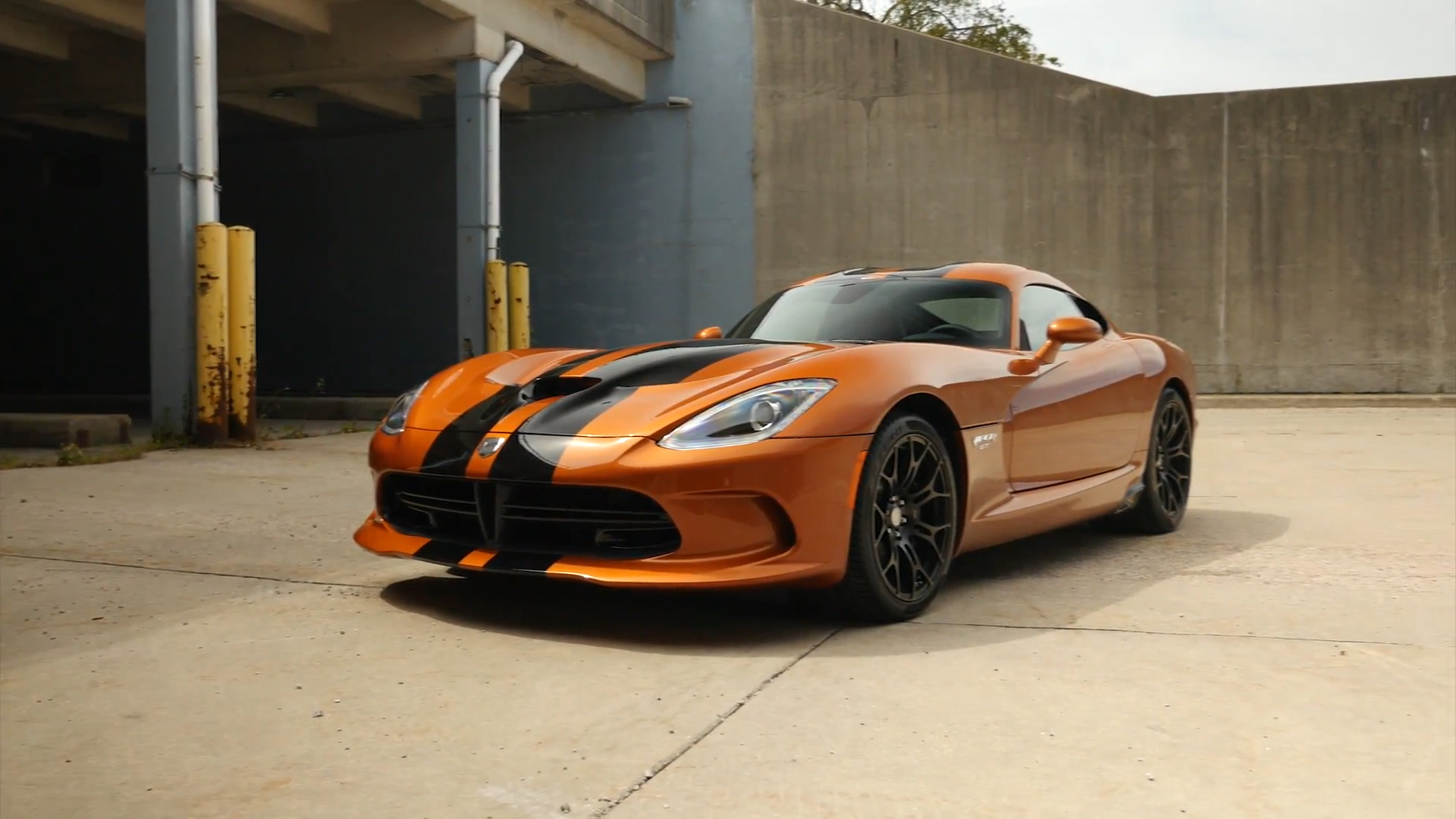 2015 Dodge Viper GTC | Beauty-Roll