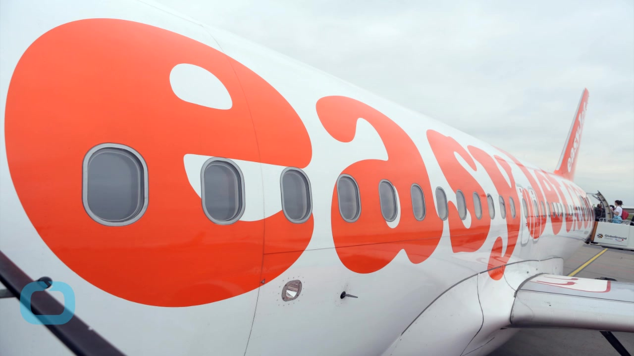 Passenger Tasered Aboard Easyjet Plane in Sussex