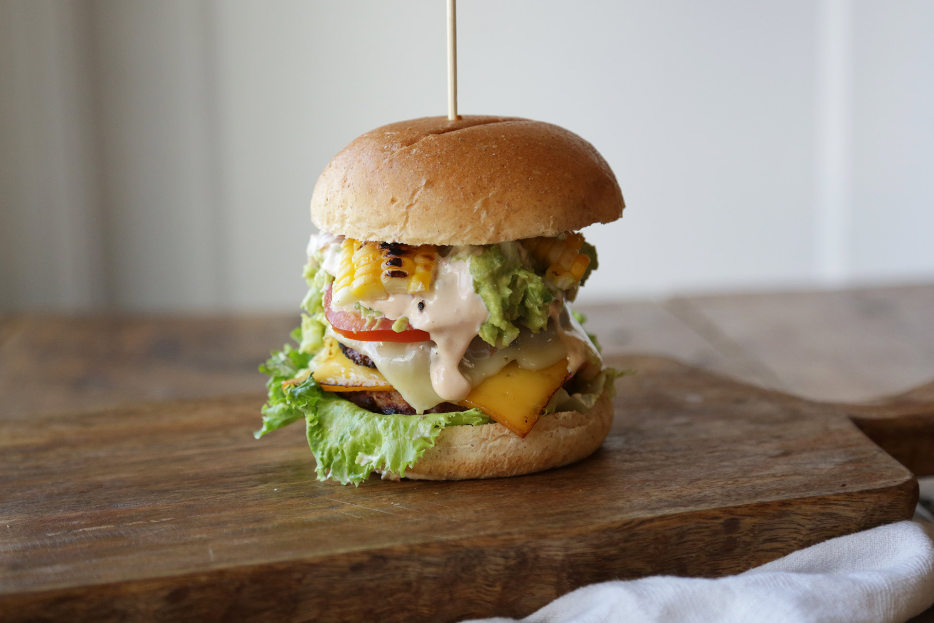 Southwest Turkey Burger Recipe With Guacamole and Chipotle Mayo