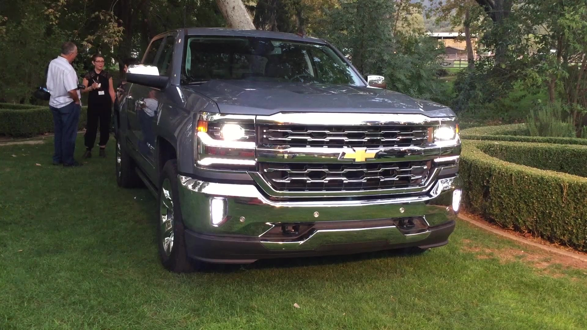2016 Chevrolet Truck Lineup | On Location