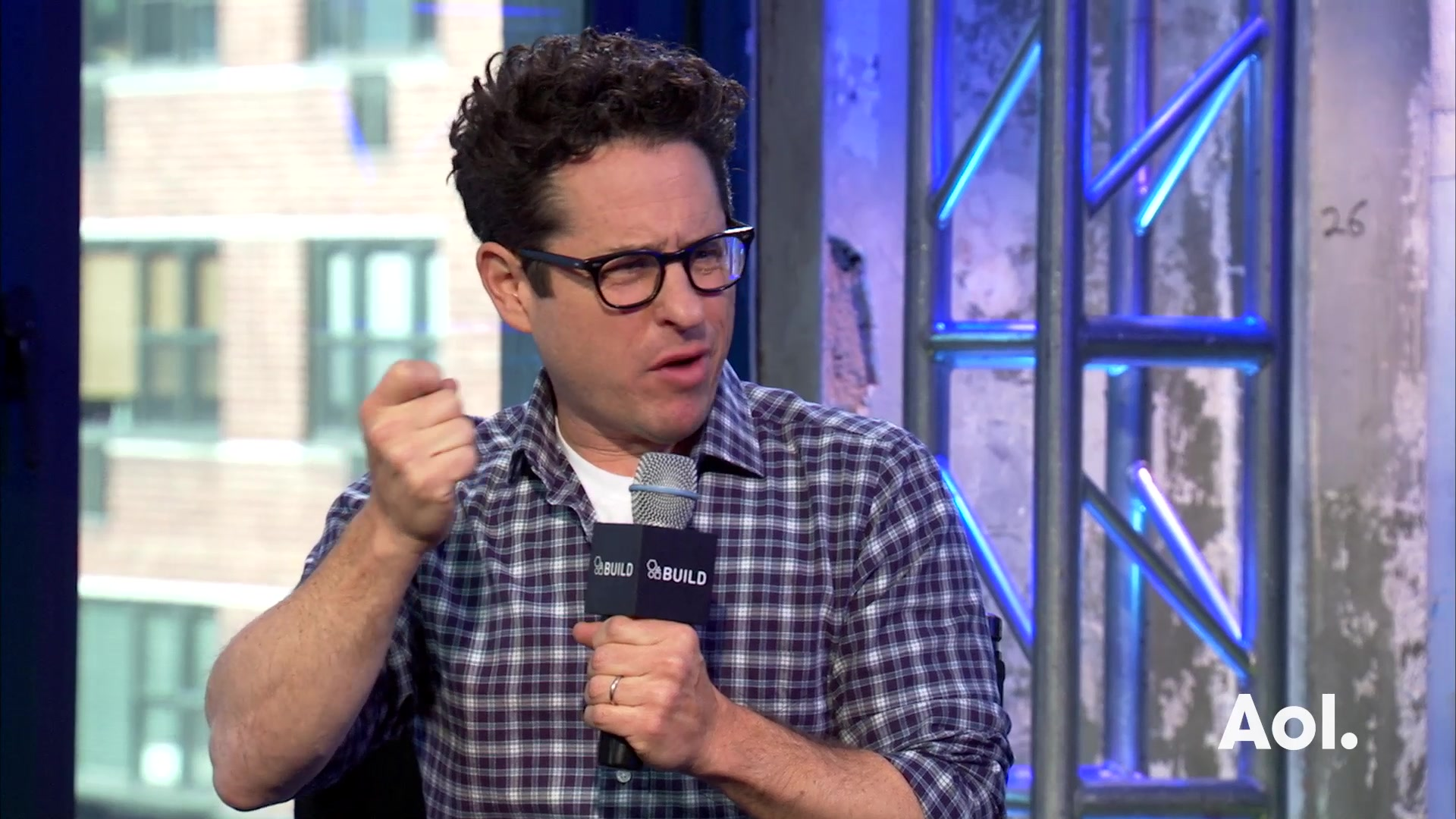 "J.J.Abrams Talks About Casting Relatively Unknown Actors in ""Star Wars"""