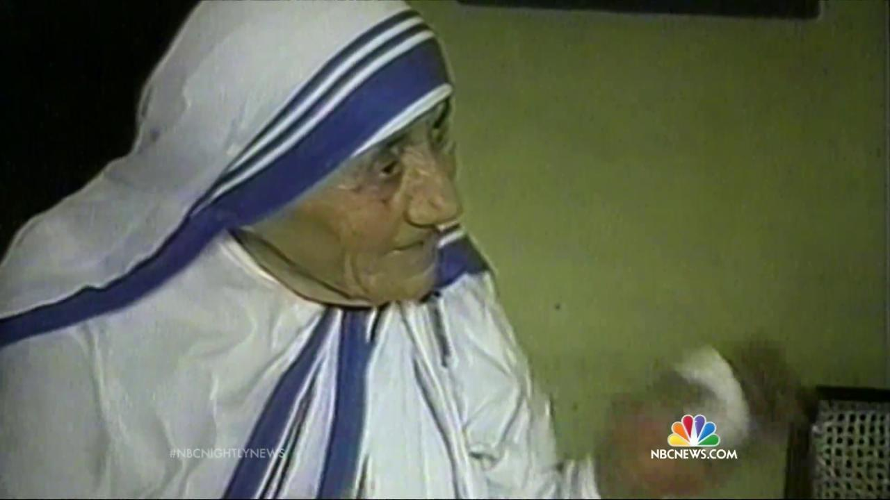 Mother Teresa's Path to Sainthood Cleared by Pope Francis