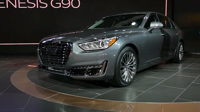 2017 Genesis G90 | 2016 NAIAS | Beauty-Roll