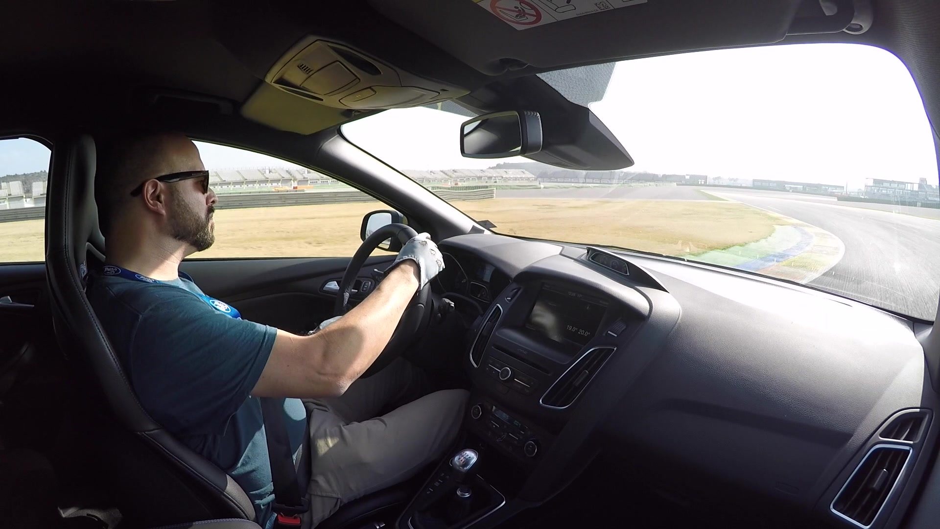 2016 Ford Focus RS Hot Lap | Autoblog Short Cuts
