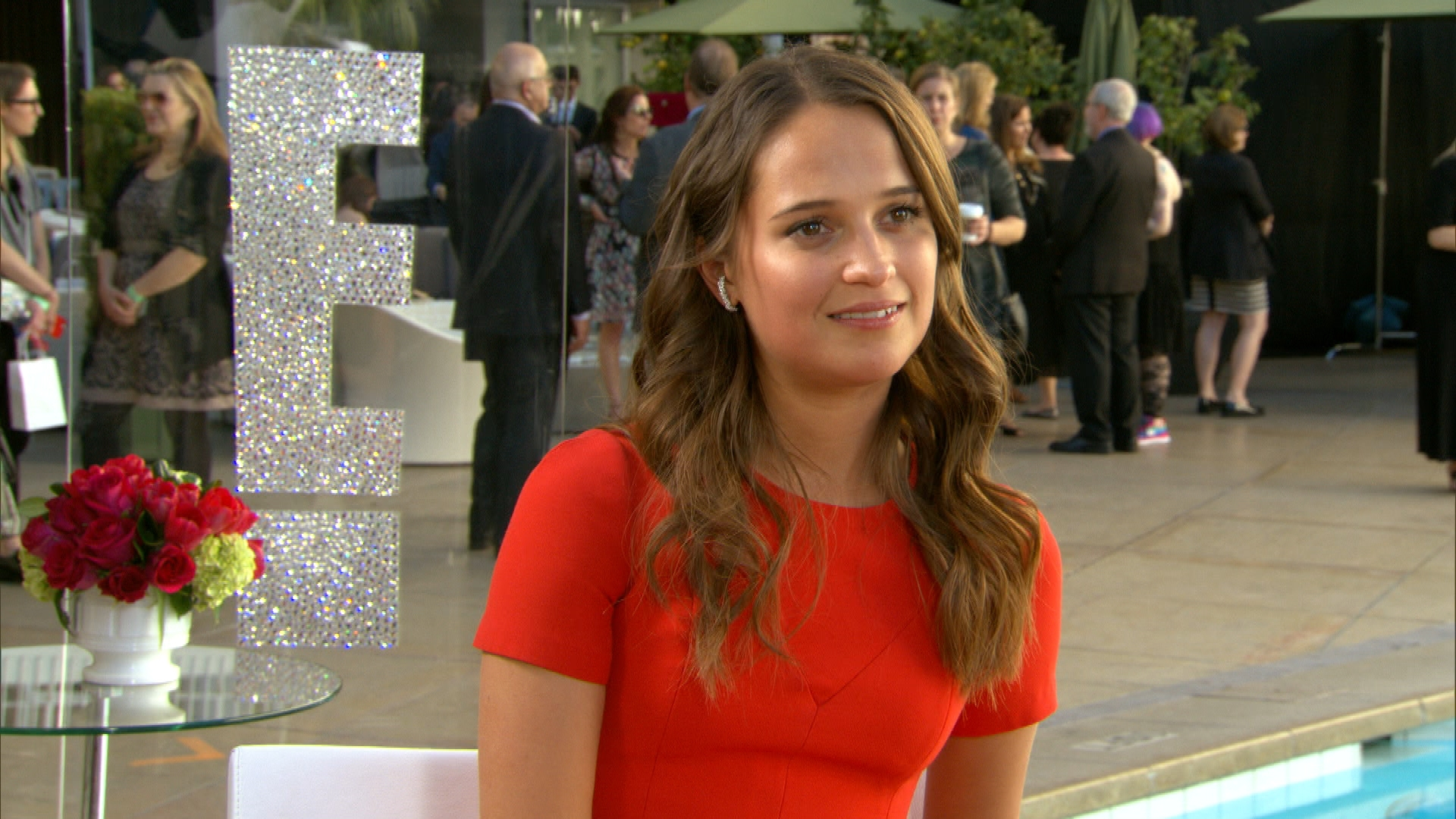 Alicia Vikander Reveals Her Date to 2016 Oscars!