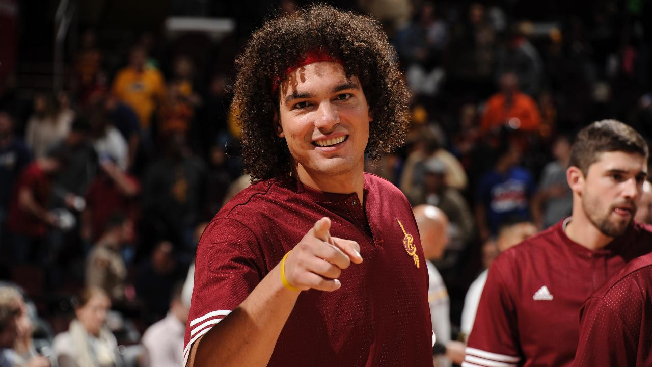 Reports: Anderson Varejao Will Sign with Warriors