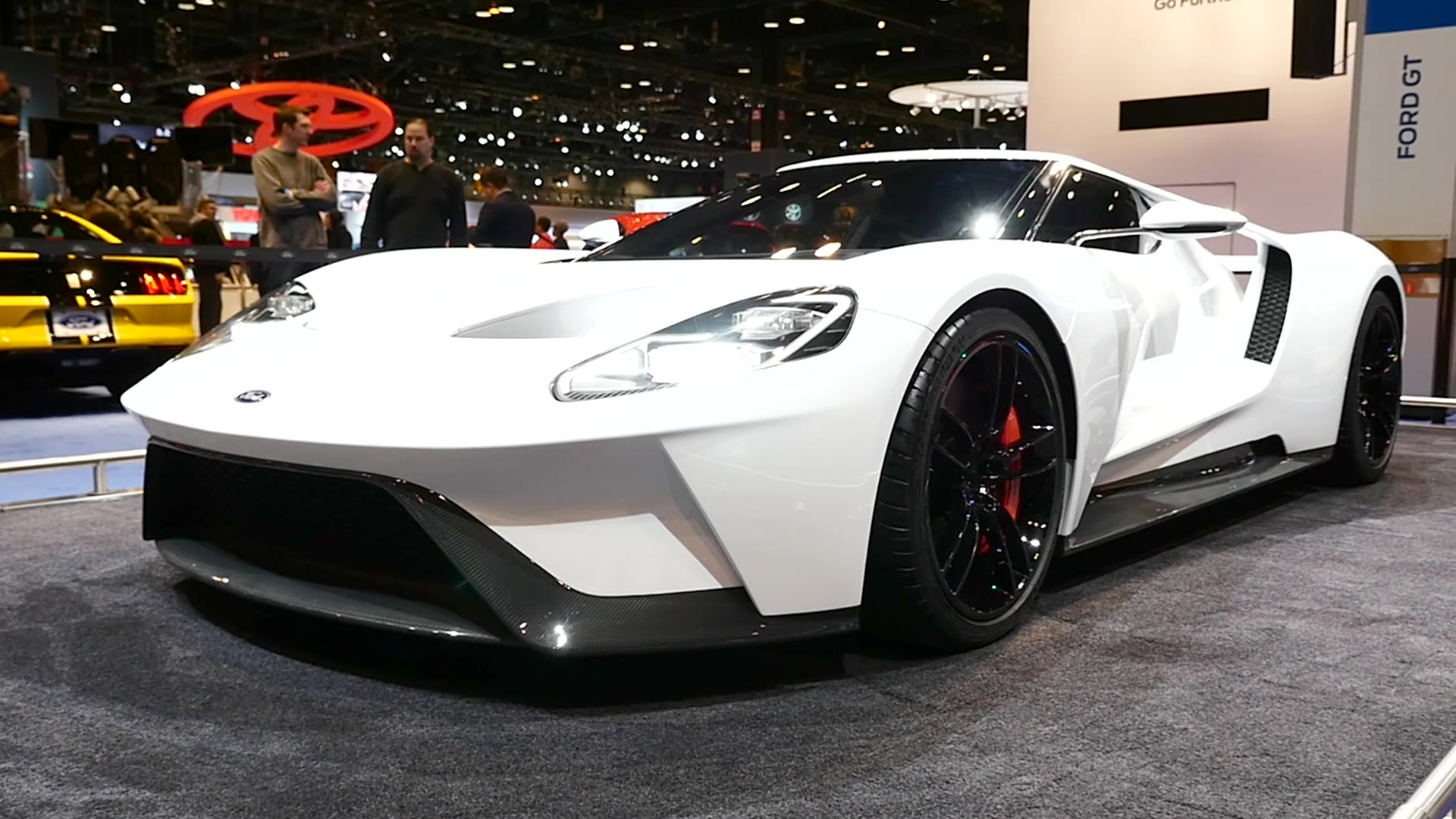 2016 Ford GT | Beauty-Roll