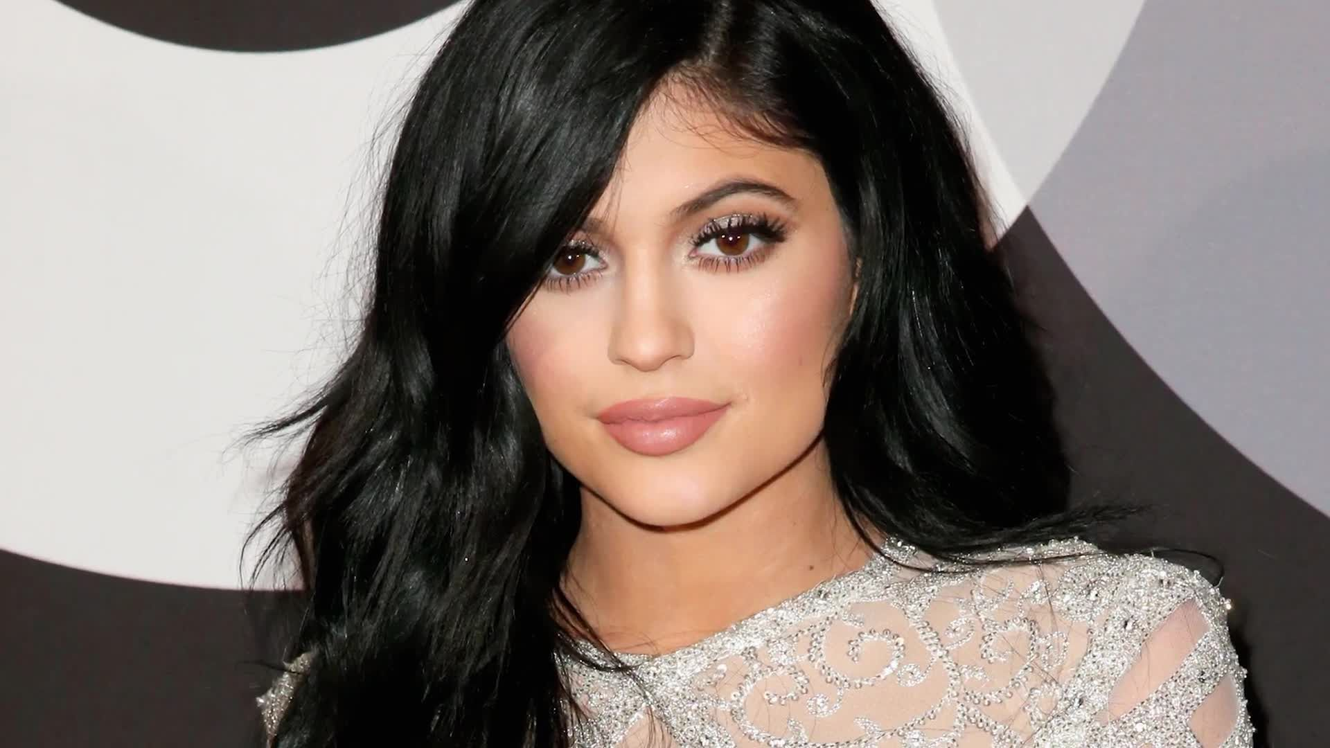 The Many Hair Colors of Kylie Jenner