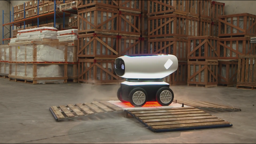 An Autonomous Robot Can Now Deliver Your Domino's Pizza