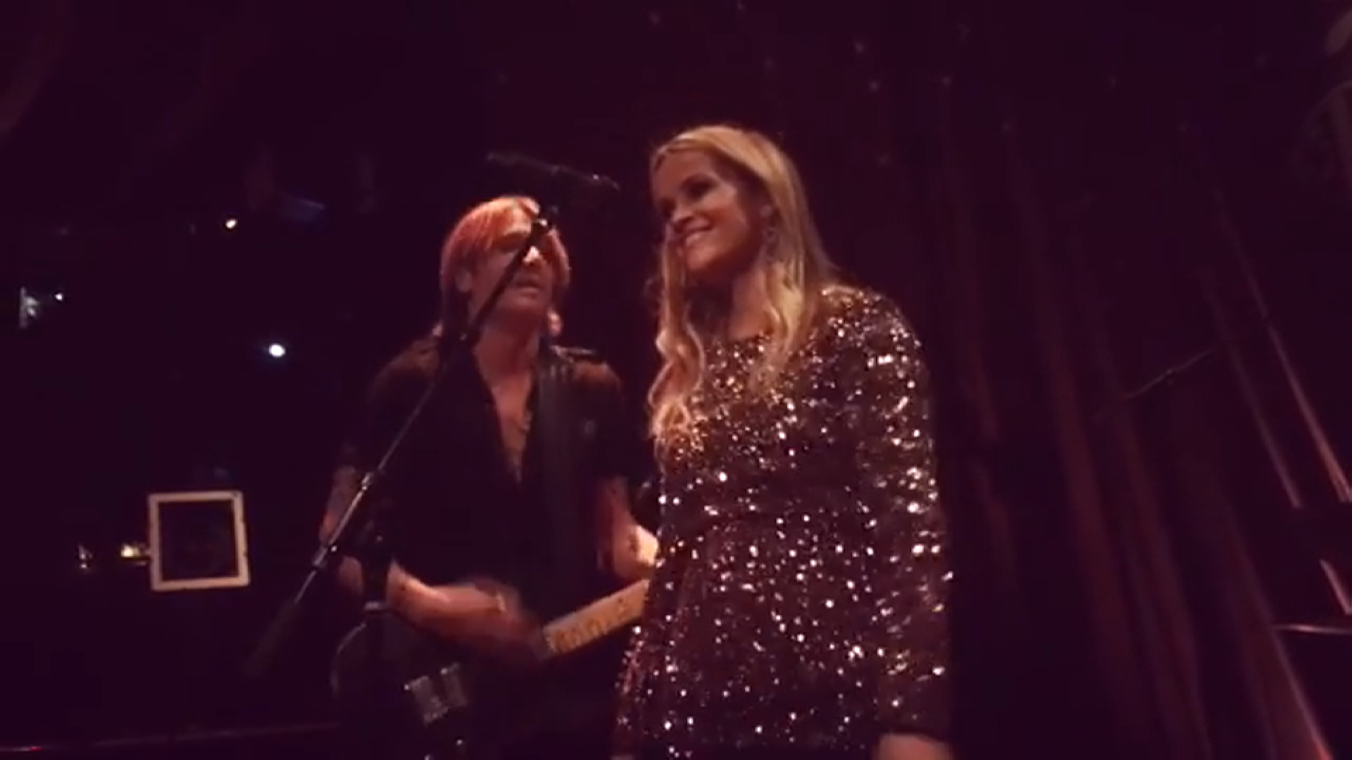 "Reese Witherspoon Sings ""Sweet Home Alabama"" at 40th B-Day"
