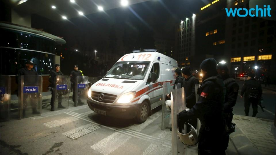 Police Vehicle Blast In Turkey Wounds Ten