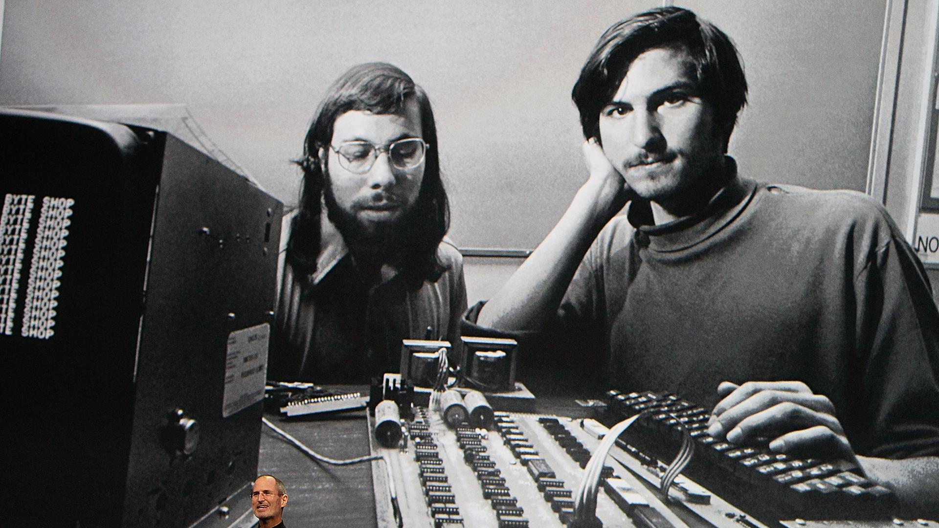 Flashback: Peek Inside Steve Jobs First PC