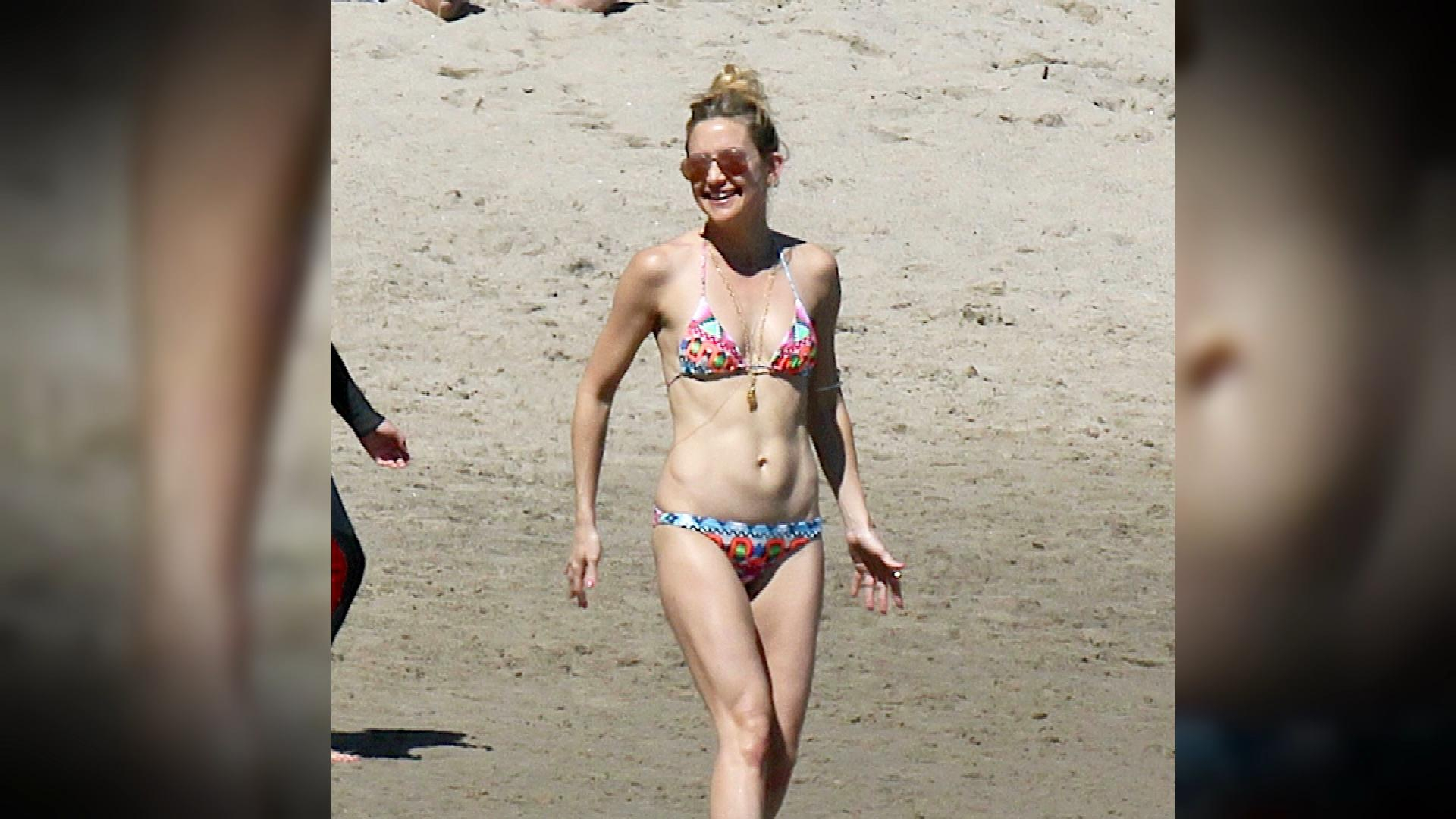 Hot Celeb Moms With Killer Beach Bodies
