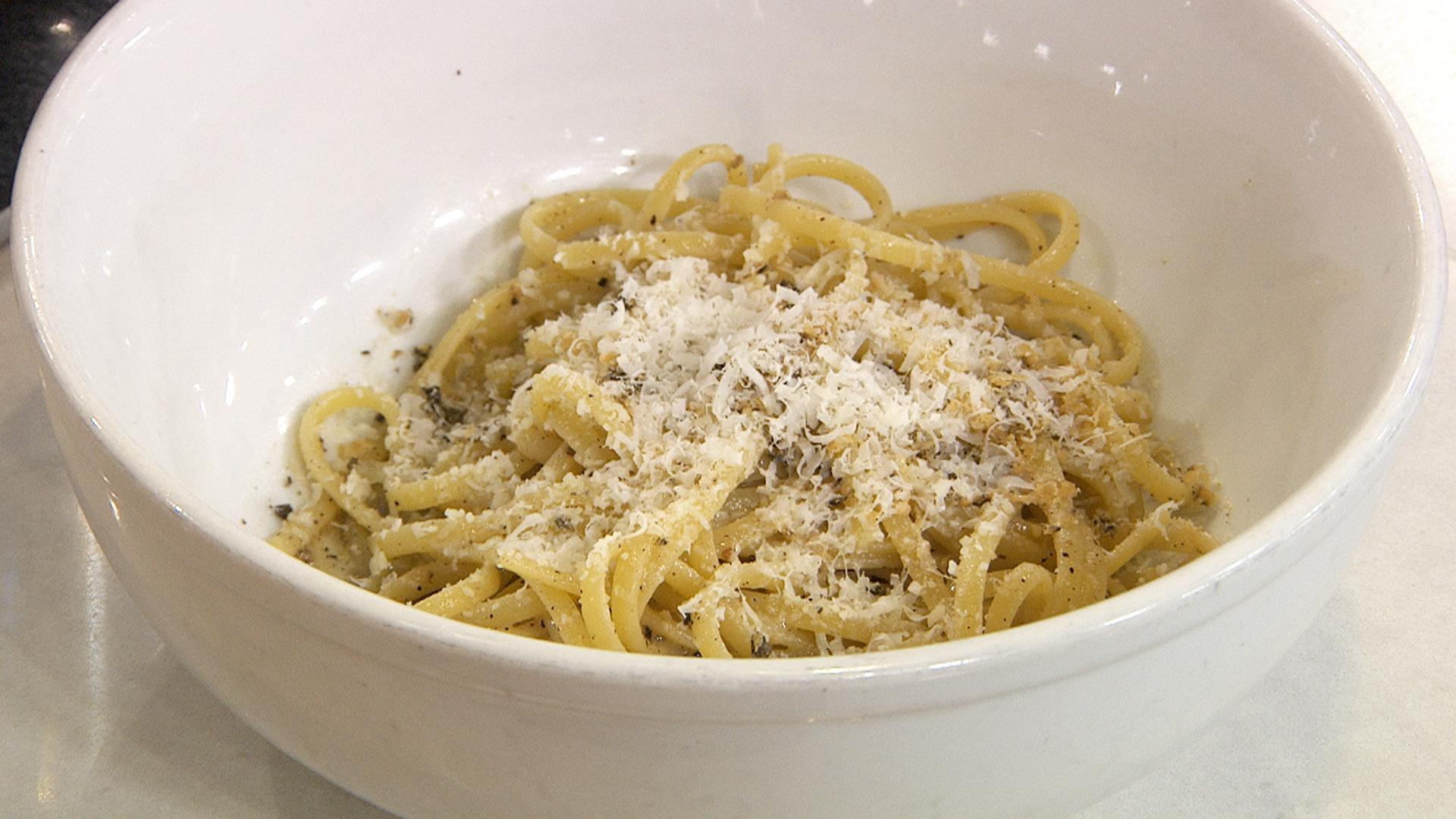 Unbelievably Creamy, Cheesy Pasta:  Cacio E Pepe with Only 3 Ingredients