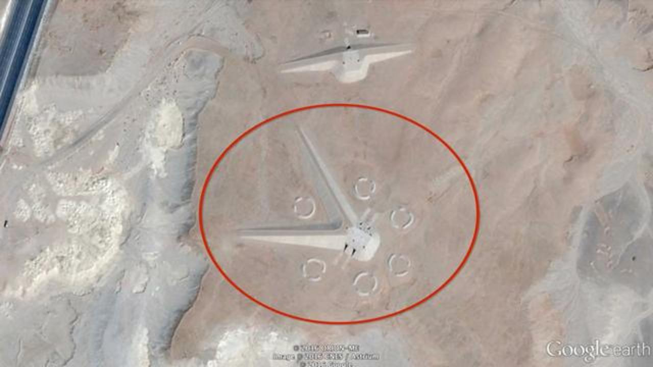 Alient Hunters Say This Unusual Structure Spotted On Google Earth May Be A UFO Base