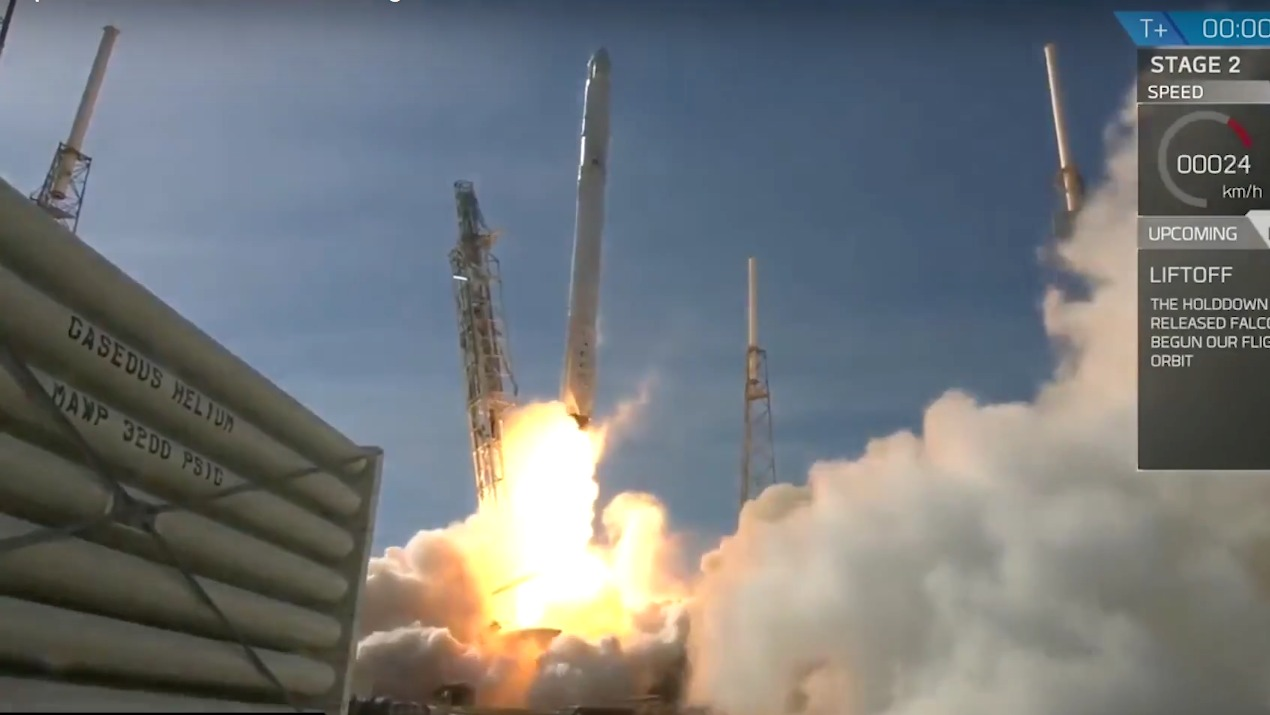 SpaceX Landed Rocket on Barge in Ocean