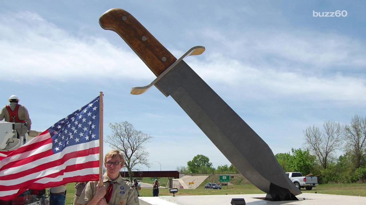 Bowie, Texas Tries Building World's Largest Knife