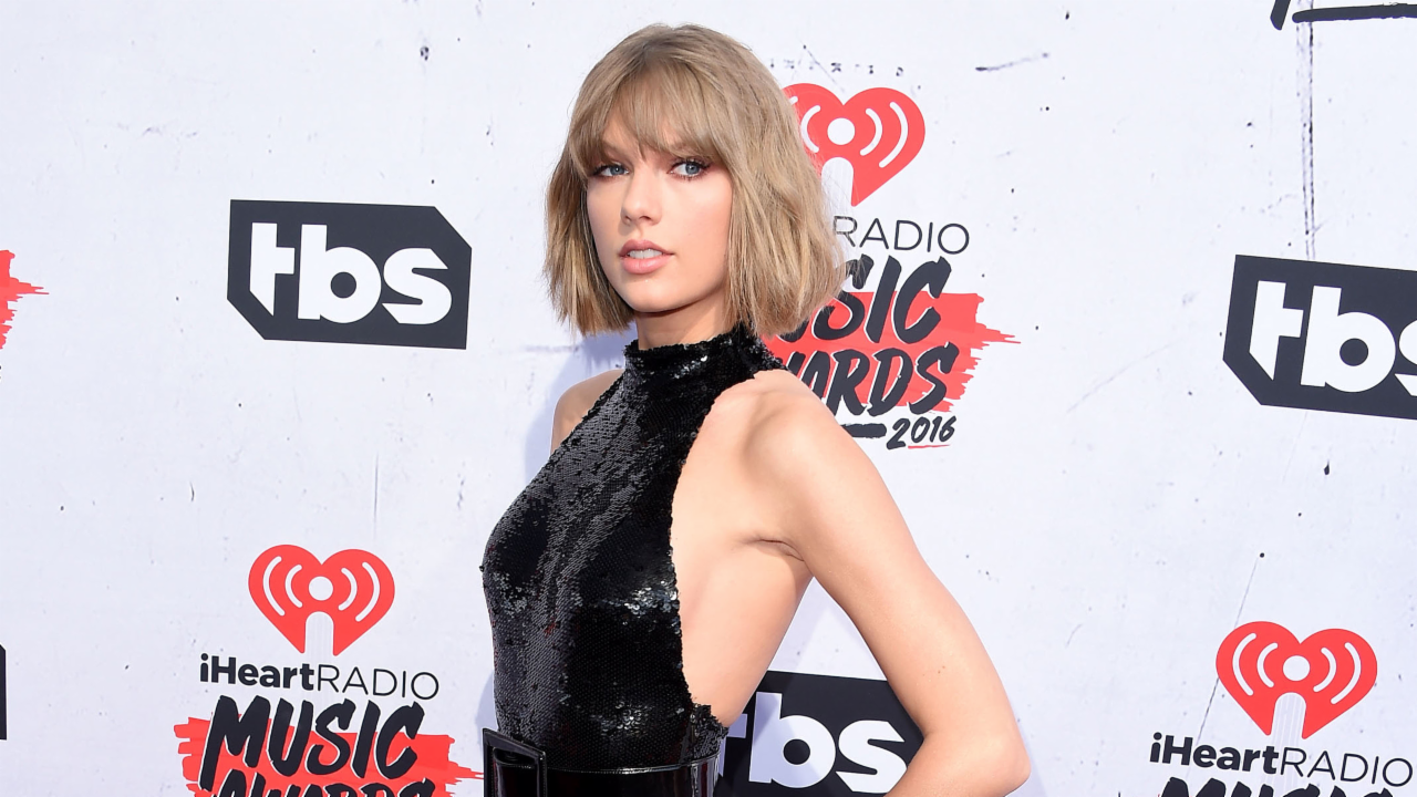 11 Times Taylor Swift Helped Change the World