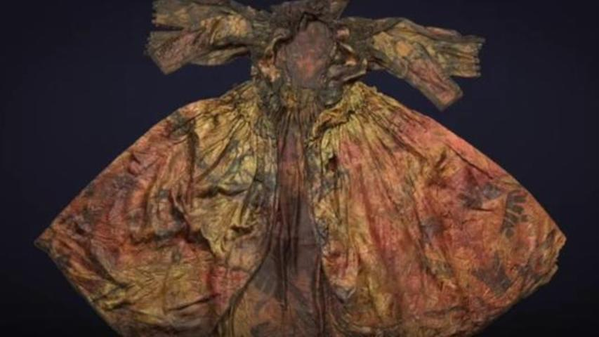 Divers Find Remarkably Well-Preserved, 400-Year-Old Dress At Bottom Of Sea