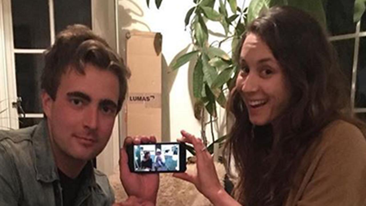 Pretty Little Liars' Stars Lost Phone Leads to Hilarious Advcenture