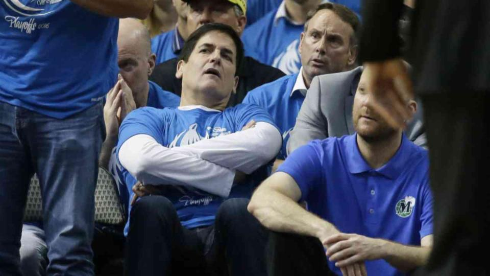 Kevin Durant Calls Mark Cuban an Idiot