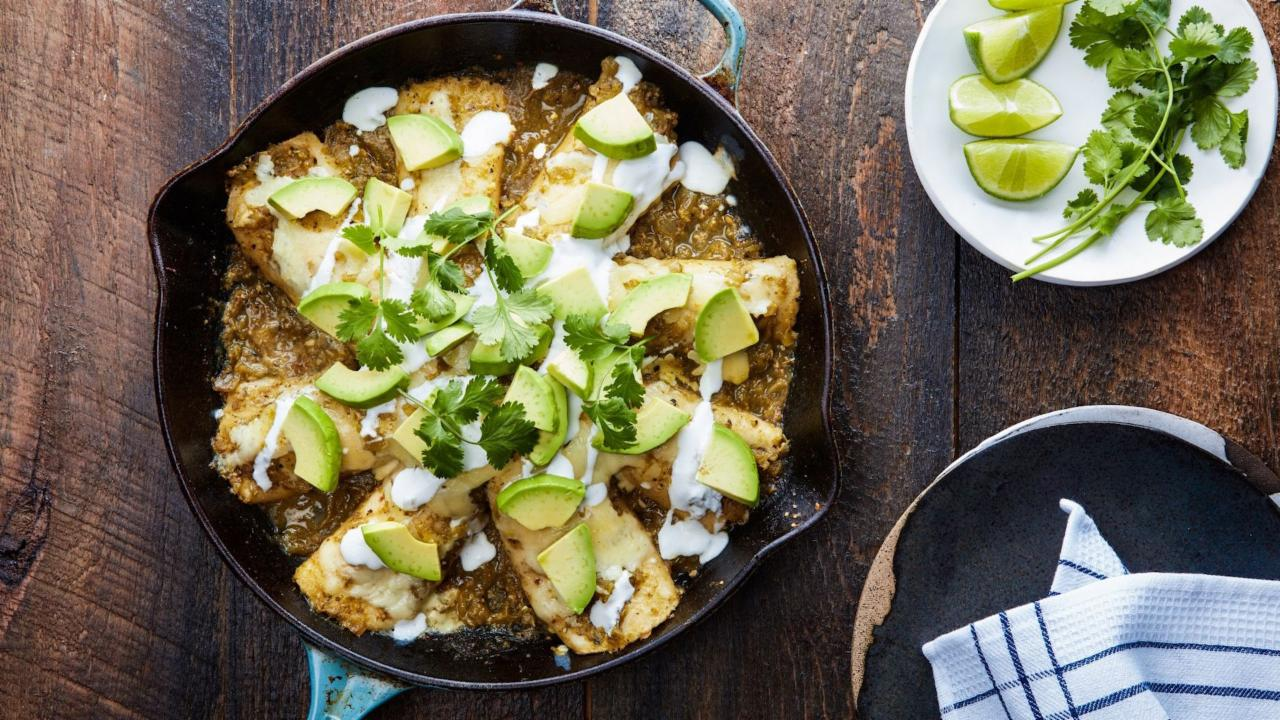 How to Make Skillet Chicken Enchiladas