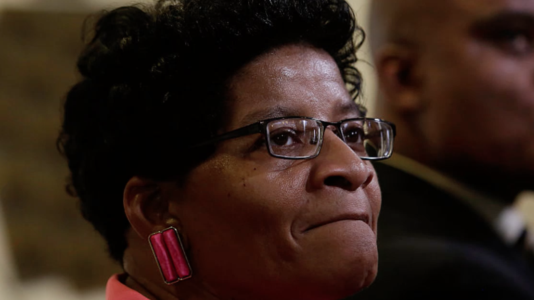 Sandra Bland's Mother Delivers Emotional Speech to Congressional Leaders
