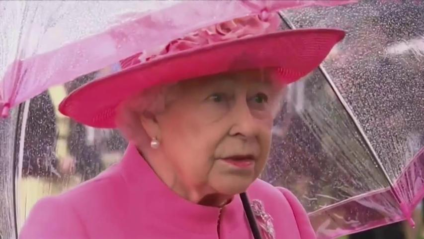 Queen Elizabeth Overheard Calling Chinese Officials 'Very Rude'