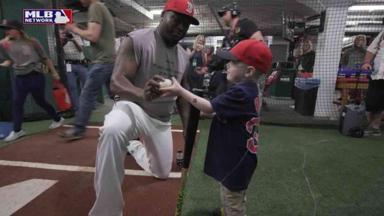 David Ortiz Visits Sick Child at Fenway